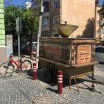 У Чернівцях демонтували кавомобіль, встановлений без дозволу