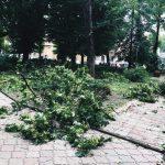 Рятувальники попереджають про град та шквали у Чернівцях