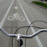 На українських дорогах стануть обов'язковими велодоріжки