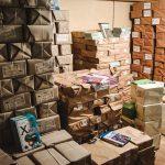 10 тонн книг. Де у Чернівцях розподіляють підручники НУШ для школярів. Фото