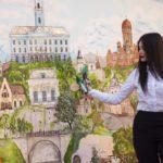 У Чернівцях відкрили стінопис «Місто на долоні». Фото