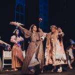 «Собака на сіні». Актори хмельницького театру показали у Чернівцях комедію про кохання і соціальну нерівність