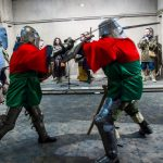 У Чернівцях презентували виставку костюмів та обладунків періоду Середньовіччя. Фото