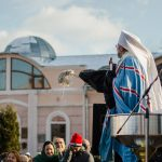 Як у Чернівцях освячували воду на площі Пресвятої Марії. Фото