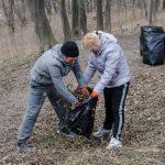 Жителі бульвару Героїв Крут влаштують колективне прибирання свого мікрорайону