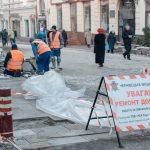Без тендеру на майже 1,5 мільйона гривень. Хто та як ремонтує тротуари на вулиці Кобилянської