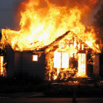 Усе згоріло. Родина з Мигового, у якої 8-місячна дитина, залишилася без даху над головою