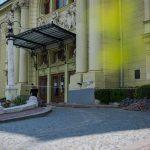 Центральний вхід театру стане доступним для людей з інвалідністю. Фото
