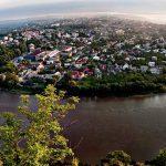 Панорама Заліщиків та урочище Червоне. З Чернівців організують виїзні екскурсії на Тернопільщину