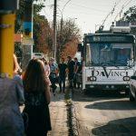 На вулиці Білоруській у Чернівцях капітально відремонтують зупинку та тротуари