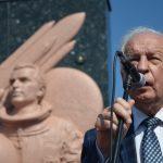 На Буковині відкрили пам'ятник першому космонавту України Леоніду Каденюку. Фото