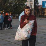 Як на Соборній площі Чернівців билися подушками. Фото