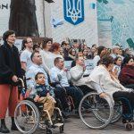 У Чернівцях пройшов флешмоб людей з інвалідністю. Фото
