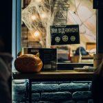 Вирізані гарбузи, декорації та розмальовані обличчя. Як у Чернівцях відзначили Геловін. Фото