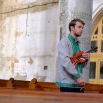 Чернівецький скрипаль Костя Лукинюк зняв відео на композицію Баха