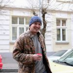 Кажуть, що я наркоман. Чернівецький художник про те, як створює картини зі сміття. Фото