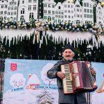 У Чернівцях запрацювало різдвяне містечко. Фото