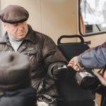 «Картка чернівчанина» для безкоштовного проїзду у тролейбусі в Чернівцях наразі не потрібна