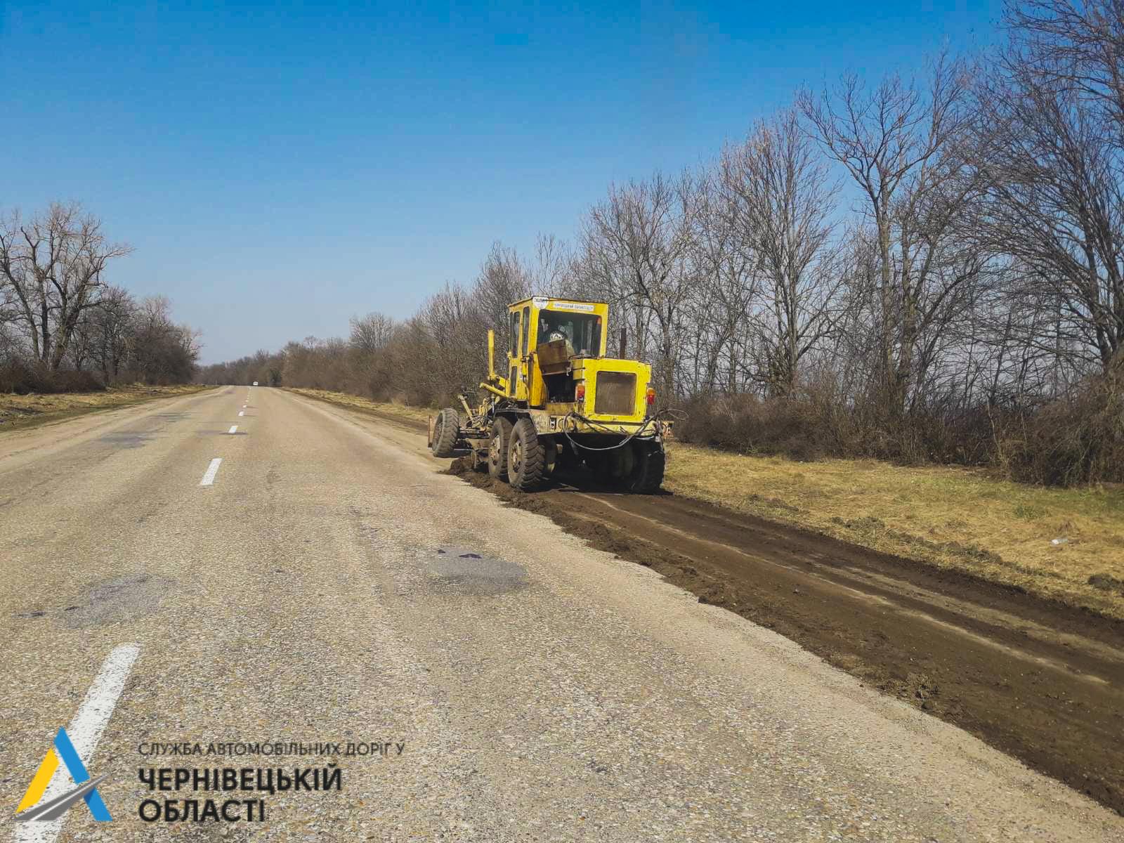 Чернівецька область єдина, де ще не ремонтують дороги: коли розпочнуть  роботи